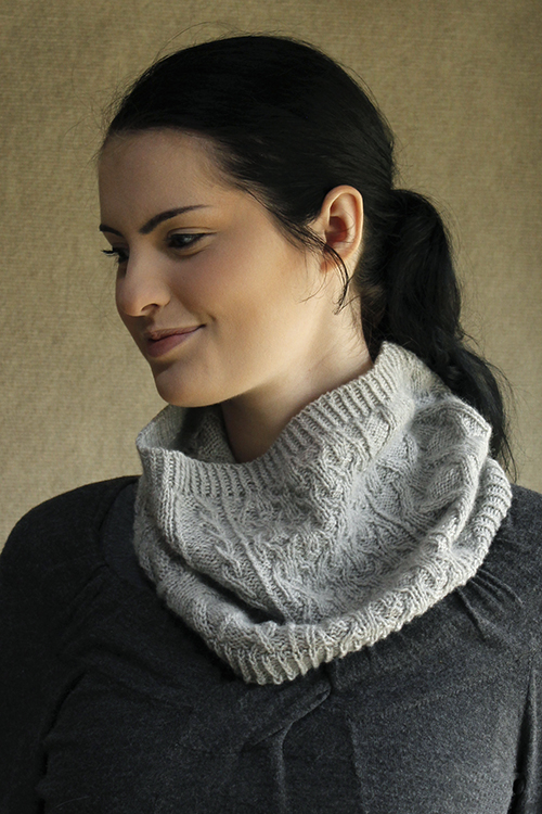 Wickershanks cowl knitting pattern with pretty stitch pattern